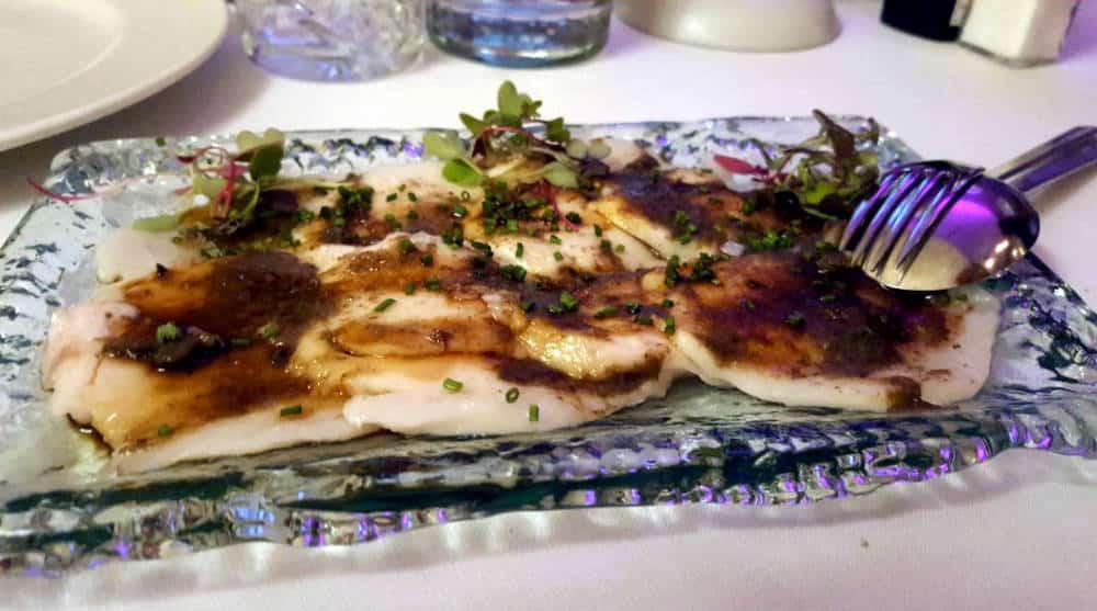 Bodega de los Secretos - Laminado de pez mantequilla con deconstrucción de trufa