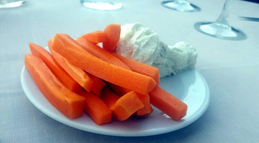 Restaurante Al Punto - Crudités de Zanahoria con Queso