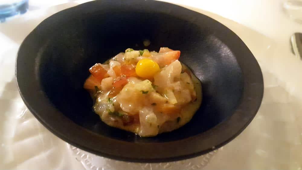 Restaurante Amparito Roca - Ceviche de pescado blanco y caballa con nuestros avíos