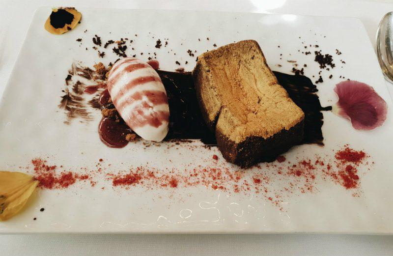 Restaurante Numa Pompilio - Lingote de Chocolate tierno con Variegado Veneno