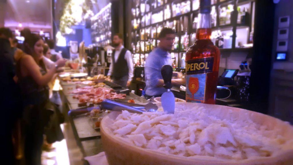Restaurante Ornella - Tomate Cherry con Mozzarella y Queso Parmesano