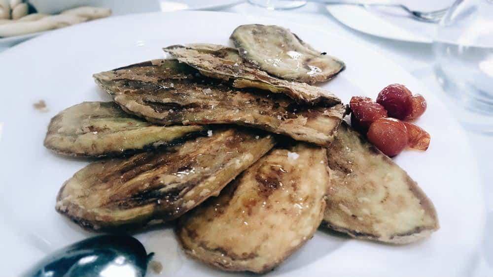 Restaurante St. James Rosario Pino - Abanico de Berenjena a la miel de Trufa Blanca