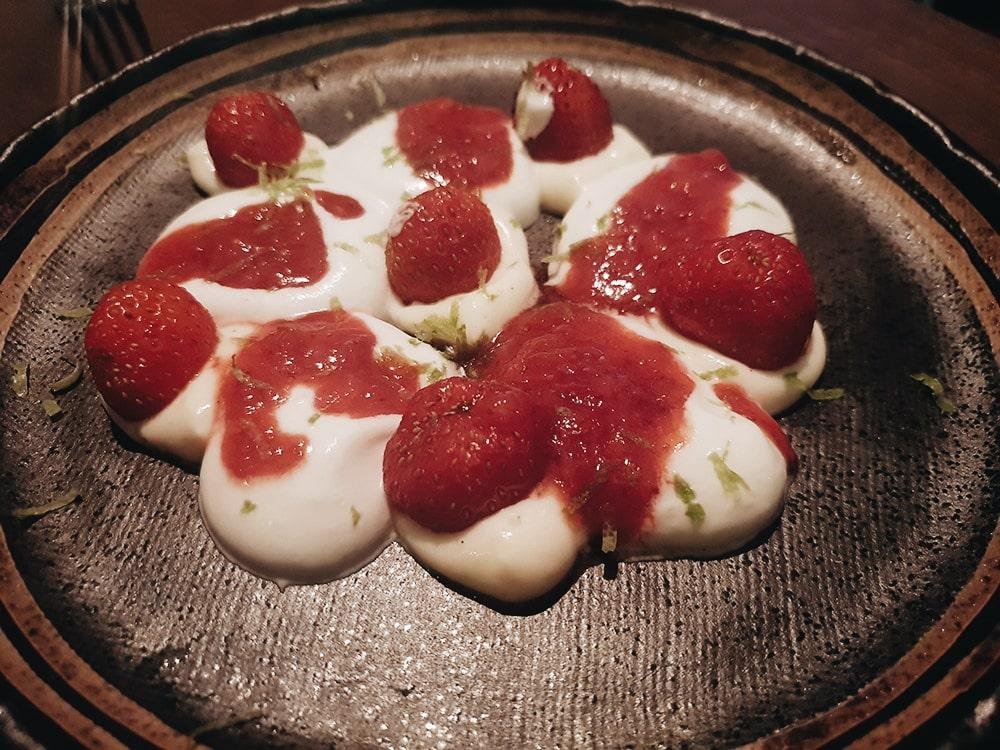 Restaurante UMO - Fresas Silvestres del Jarama con Chantilly Casero